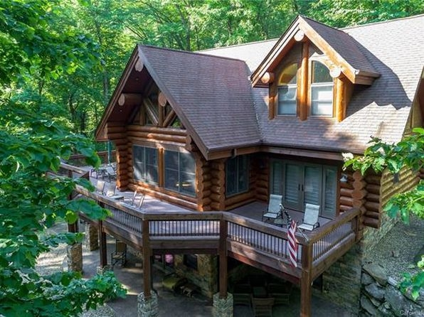 log cabin lake lure real estate 10 homes for sale zillow Log Cabin Homes In Nc