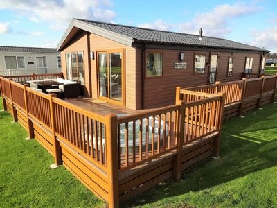 tattershall east lindsey vacation rentals tattershall Berth Log Cabins With Hot Tubs