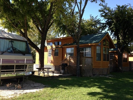 Beautiful cabin picture of pecan park riverside rv san marcos 10 San Marcos River Cabins Gallery
