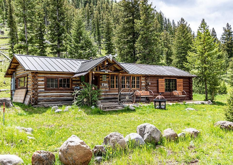 Stylish yellowstone national park 30 acres in wyoming circa 1925 Yellowstone National Park Cabin Ideas