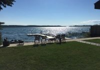beautiful waterfront family friendly cottage on portage lake onekama onekama Portage Lake Cabins