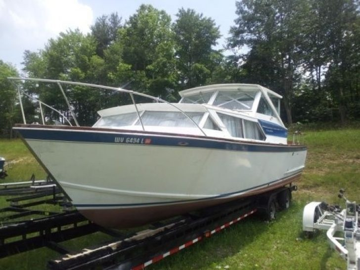 Permalink to 10 Chris Craft Cabin Cruiser