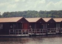 wondering what to do in guntersville alabama stay in a Lake Guntersville Cabins